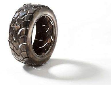 David Bielandr, Pneu, armband. Foto met dank aan Ornamentum Gallery©