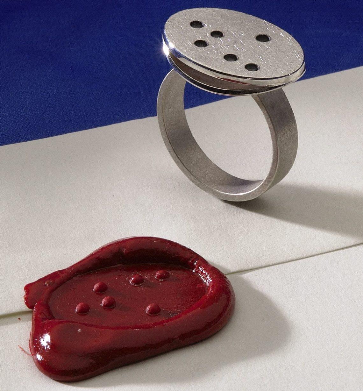 Pauline Barendse, Zegelring, ring. Foto met dank aan Dubbelop©