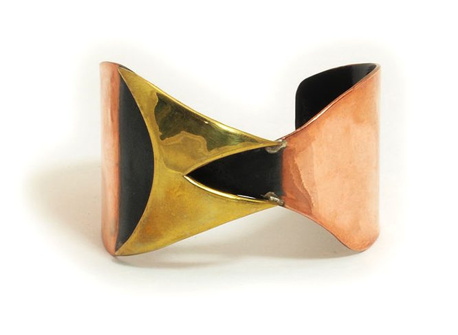 Art Smith, armband. Courtesy Mobilia Gallery©
