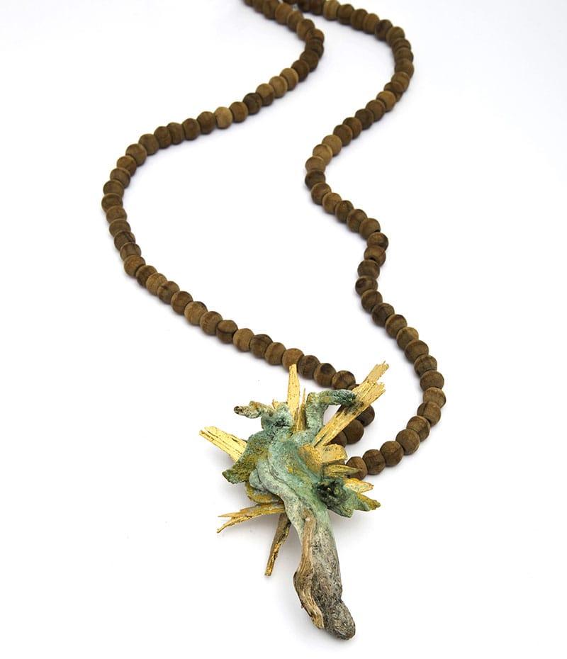 Attai Chen, halssieraad. Foto met dank aan Museo del Gioiello©