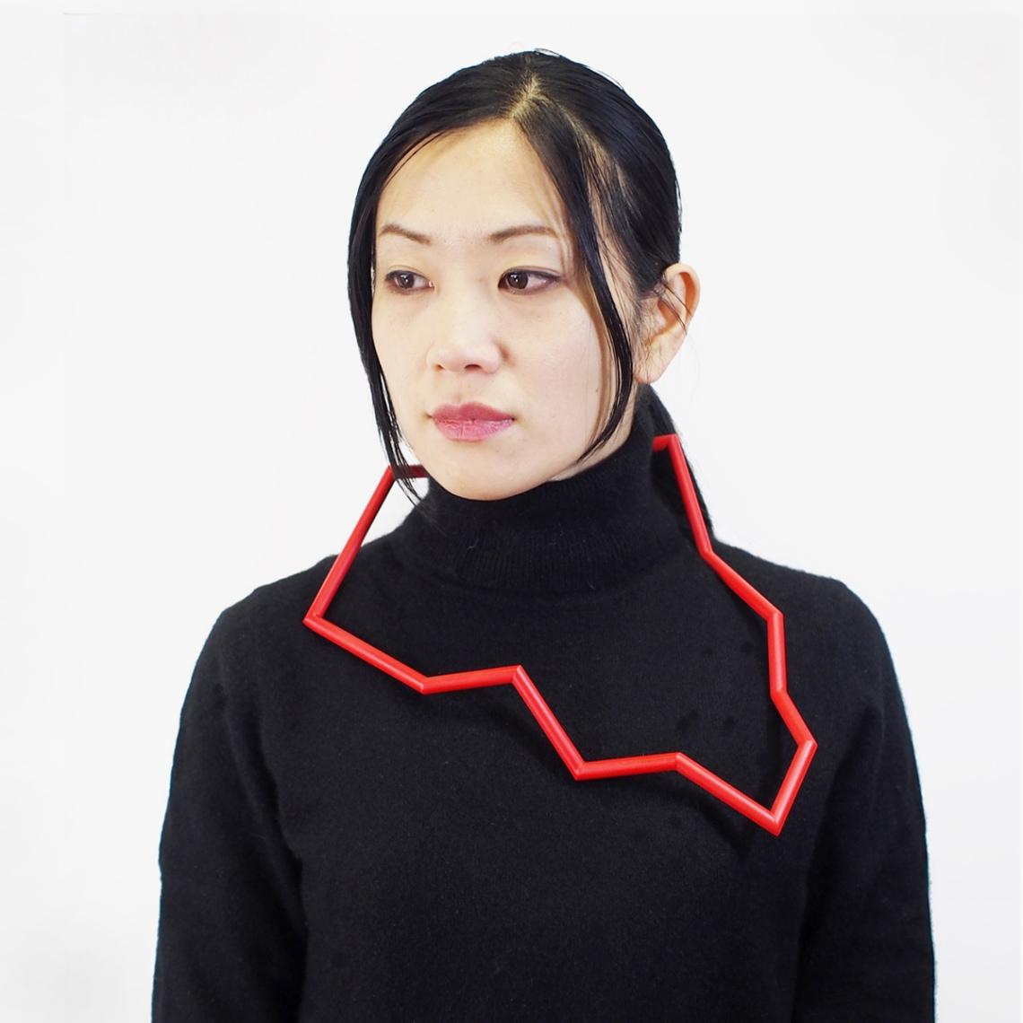 Yu Hiraishi, Borderline, halssieraad. Foto met dank aan Galeria Reverso©