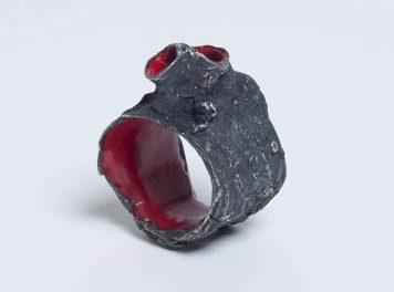 Nanna Melland, Heart, ring, 2004. Foto met dank aan Galerie Spektrum©