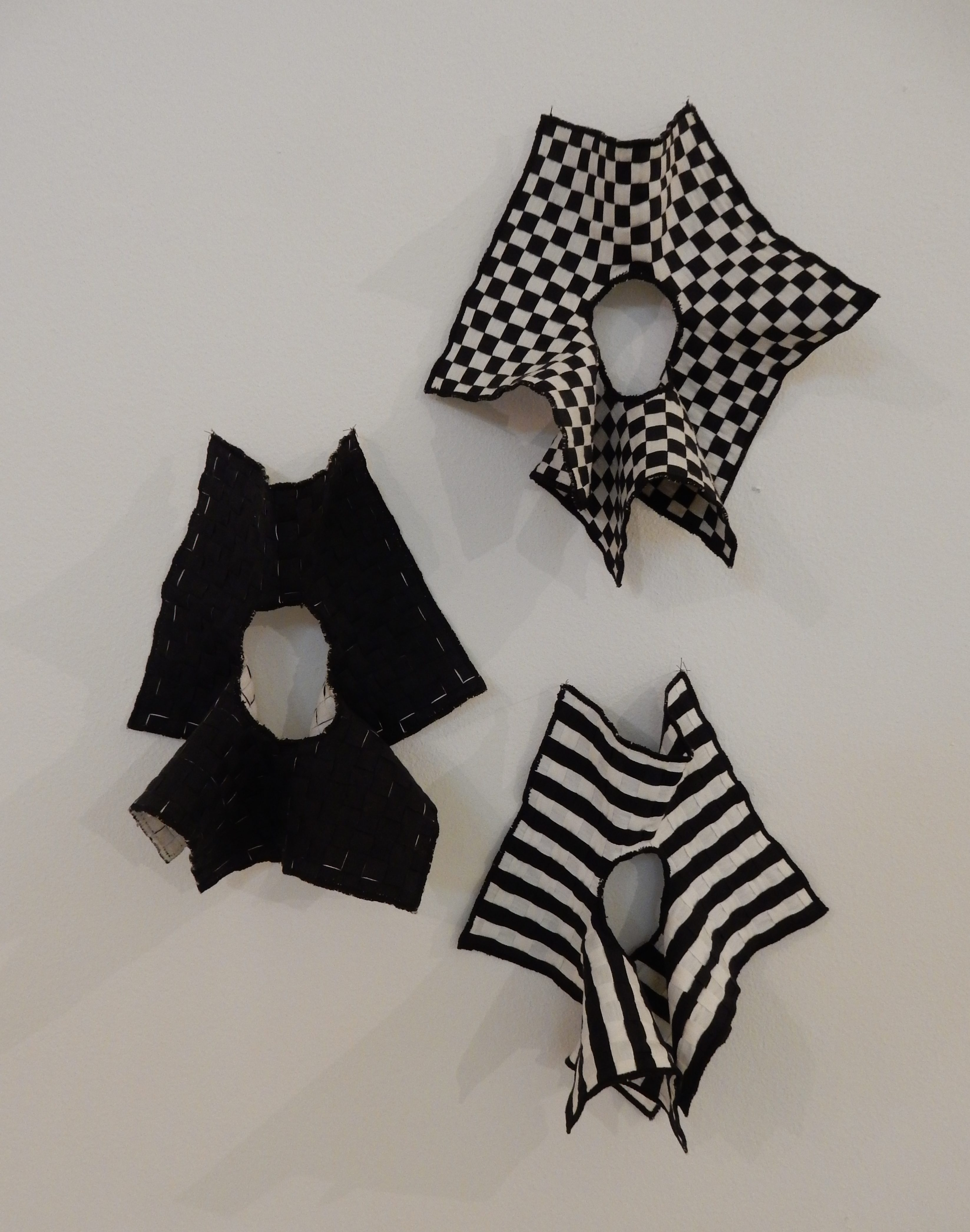 Caroline Broadhead, Handkerchief Bracelets. CODA, 2018. Foto Esther Doornbusch, CC BY 4.0