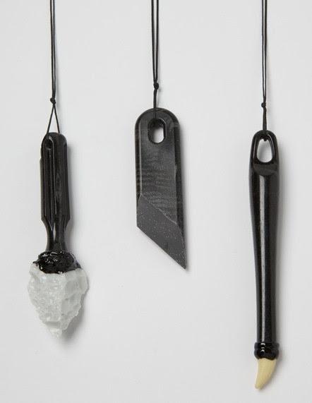 Florian Weichsberger, halssieraden. Foto met dank aan Stichting Françoise van den Bosch©