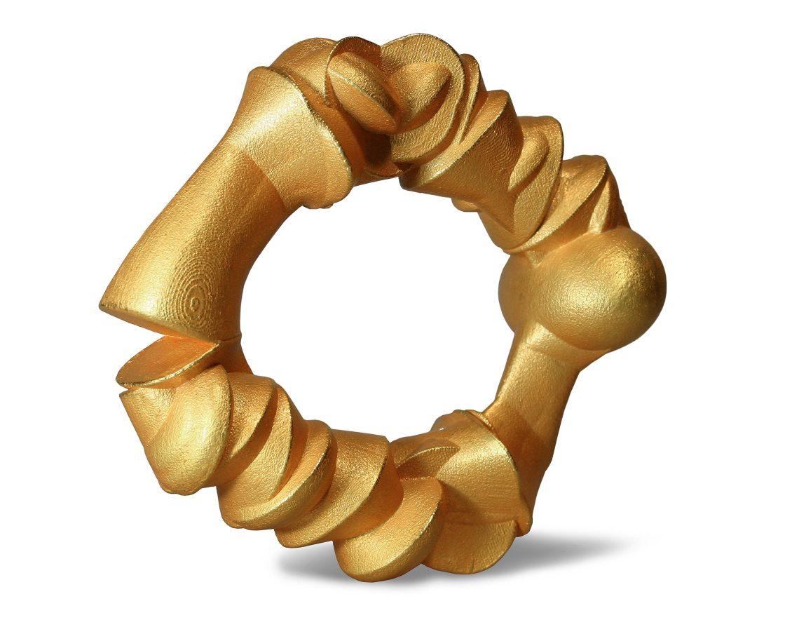 Beate Eismann, Golden Bones, armband, 2010. Foto met dank aan CODA, Beate Eismann©