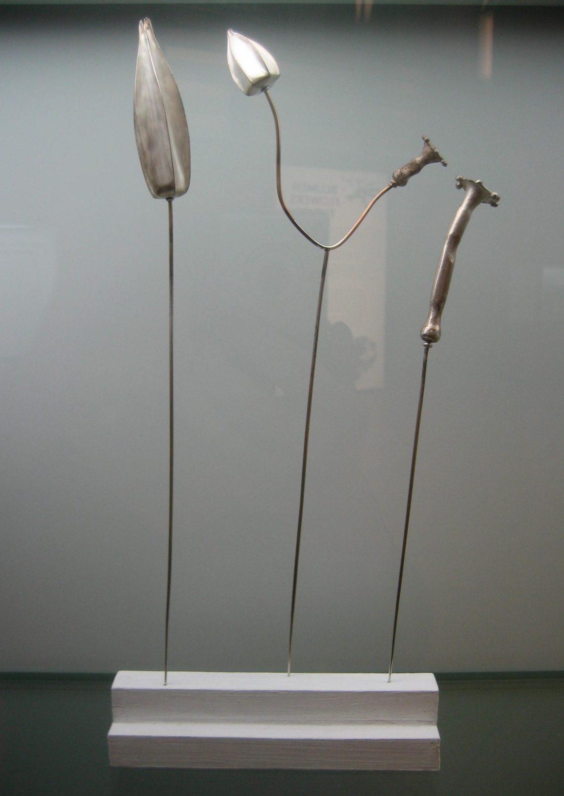 Gabriela Fink, Gegensätze, 1998. Collectie Grassimuseum. Foto Esther Doornbusch, mei 2018, CC BY 4.0
