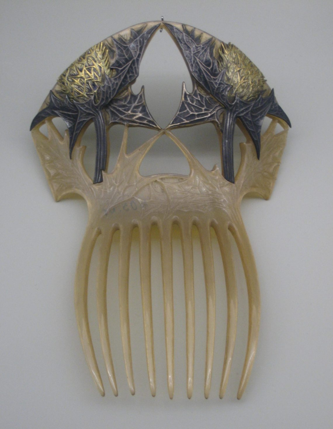 René Lalique, kam, 1900. Collectie Grassimuseum. Foto Esther Doornbusch©