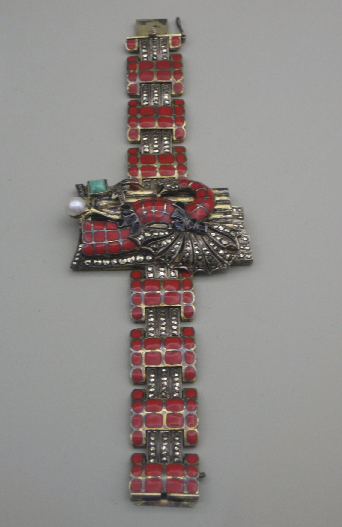 Gustave Braendle en Theodor Fahrner, armband, 1926. Collectie Grassimuseum. Foto Esther Doornbusch, CC BY 4.0