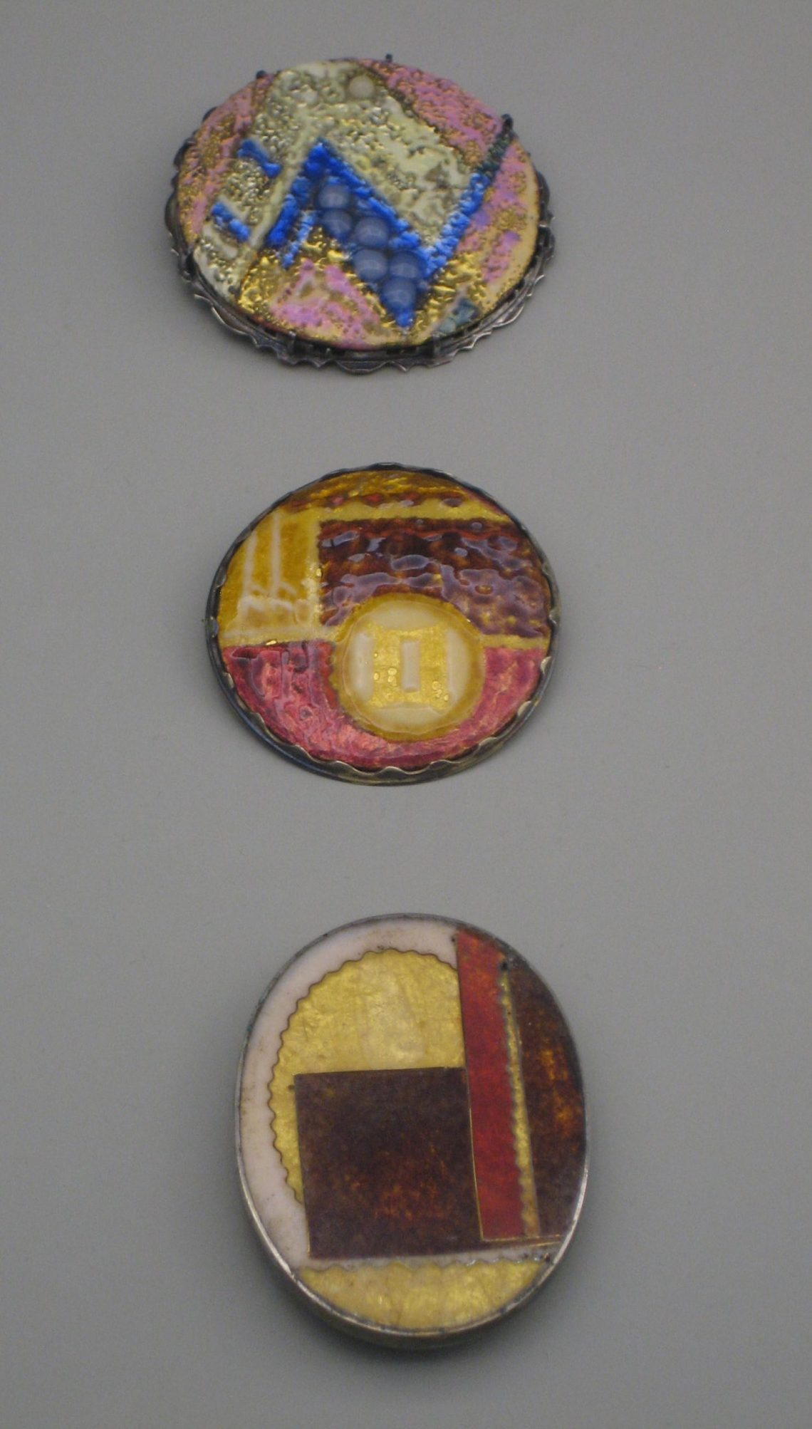Curt Hasenohr, broches, circa 1925-1927. Collectie Grassimuseum. Foto Esther Doornbusch, mei 2018, CC BY 4.0