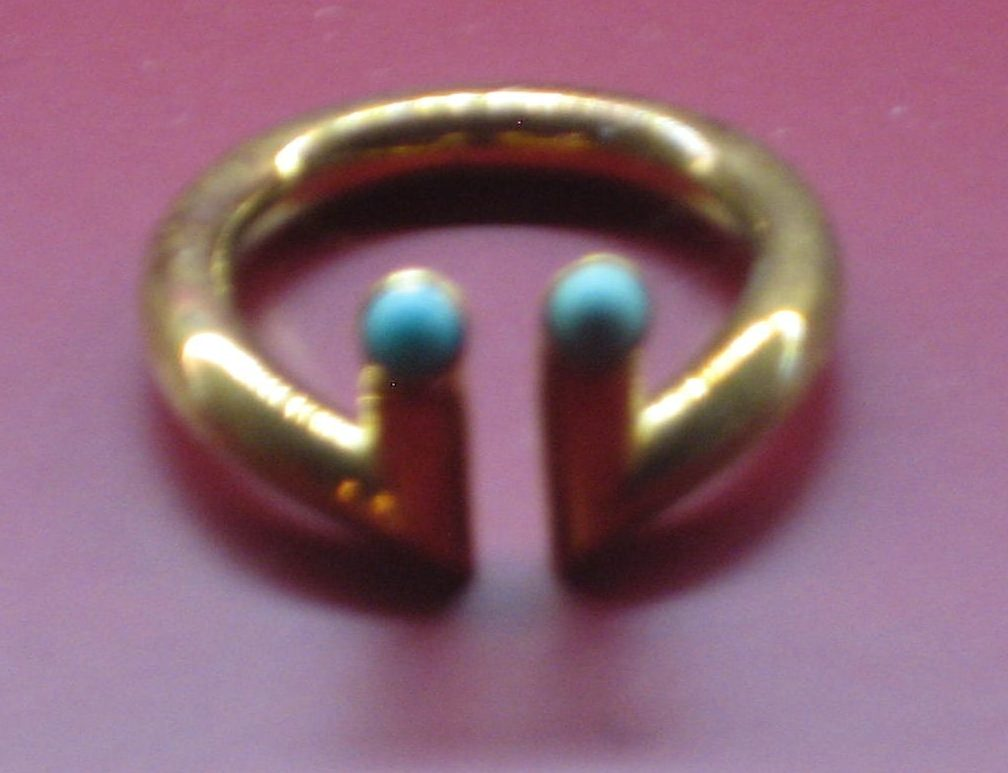 Rolf Lindner, ring, 1975-1976, Collectie Angermuseum, S 123-88. Foto Esther Doornbusch, CC BY 4.0