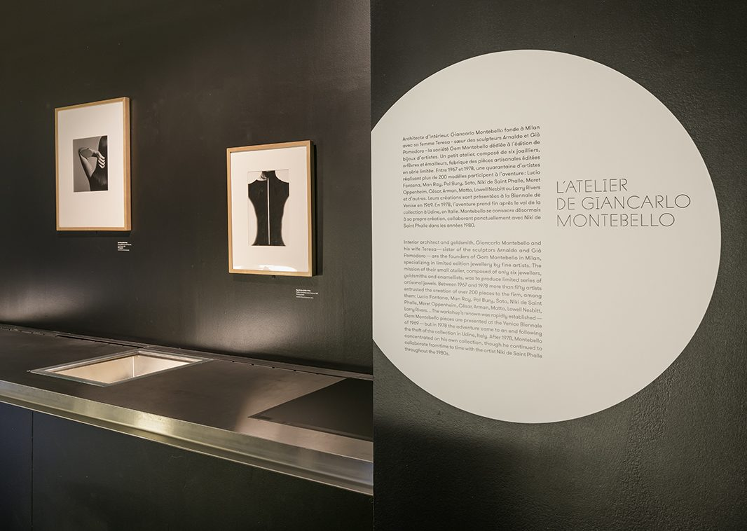 Giancarlo Montebello. De Calder à Koons, 2018. Foto met dank aan Musée des Arts Décoratifs Parijs, Luc Boegly©