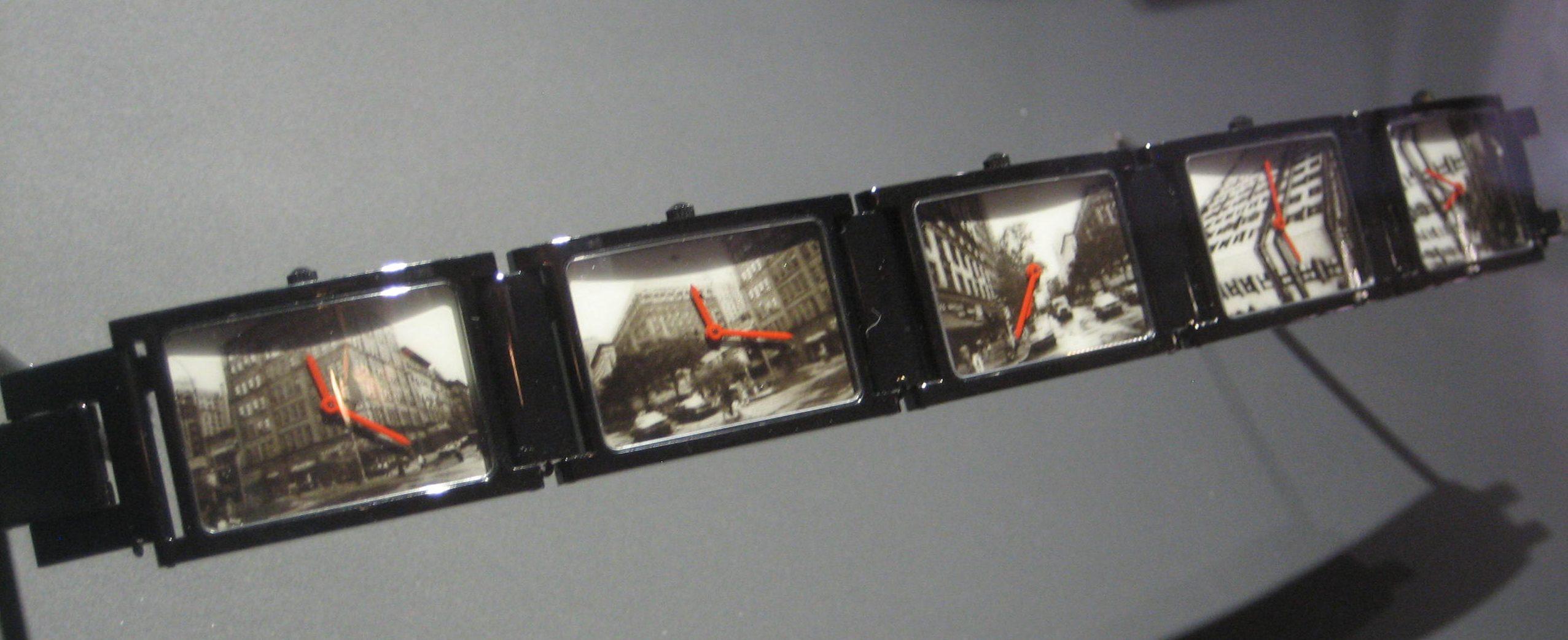 Andy Warhol, Times 5, horloge, 1988, 225/250. Particuliere collectie. Foto Esther Doornbusch, juni 2018©