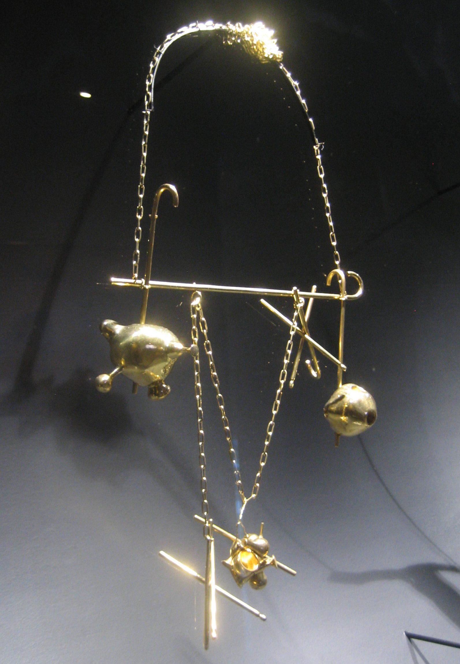 Tunga, Les Bijoux de la Belle et la Bête, PA, halssieraad, 2001. Collectie Cordelia Fourneau de Mello Mourão. Foto Esther Doornbusch, juni 2018©