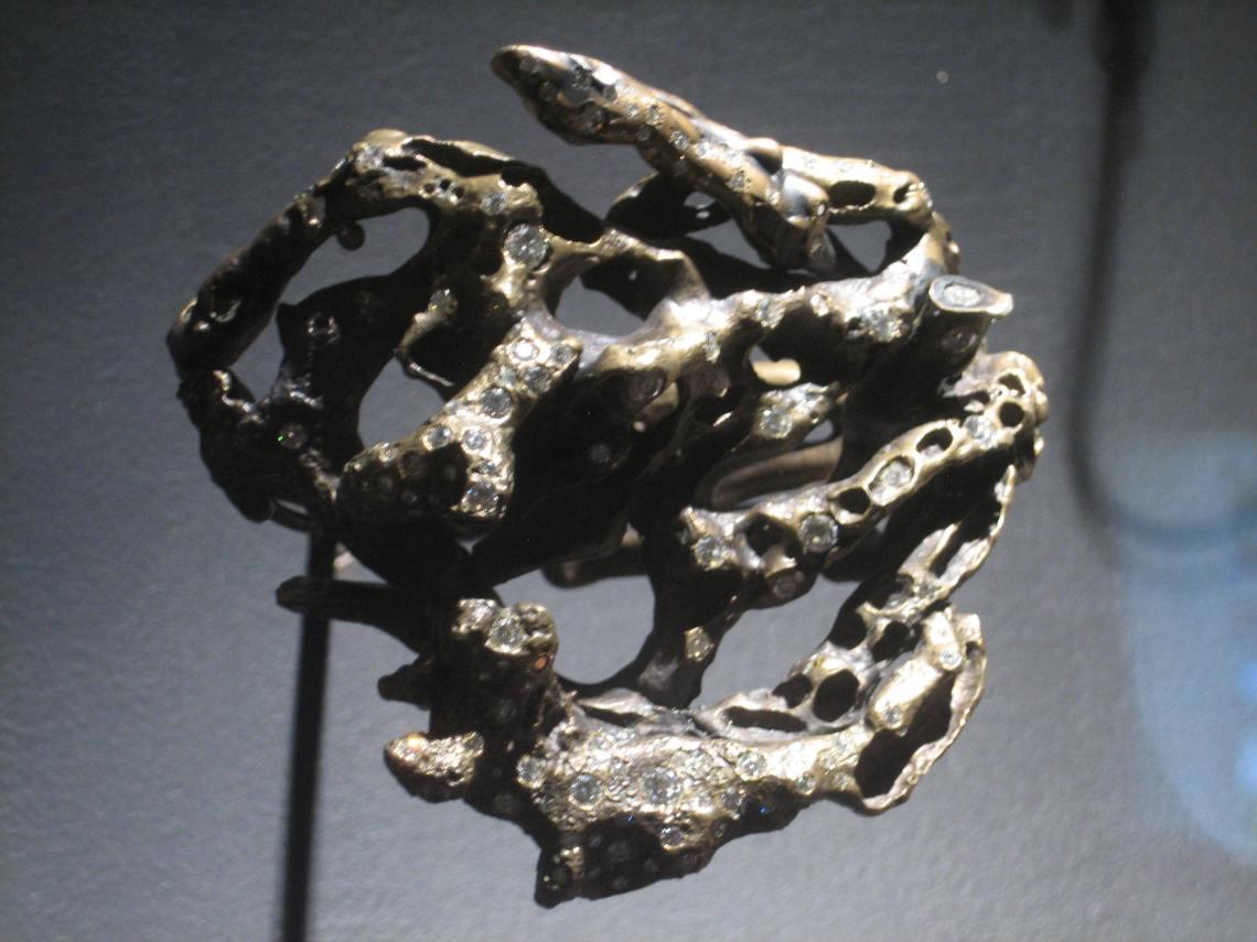 Michele Oka Doner, Thalasa's Reef, armband, 2011. Collectie Diane Venet. Foto Esther Doornbusch, juni 2018©