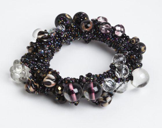 Judy Onofrio, armband, circa 1984. Collectie Yvònne Joris. Foto met dank aan SMS©