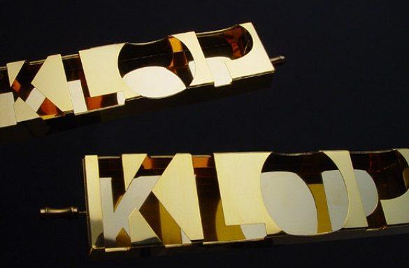 Frank Tjepkema, Klop Klop, broche, 2002. Foto met dank aan Frank Tjepkema©