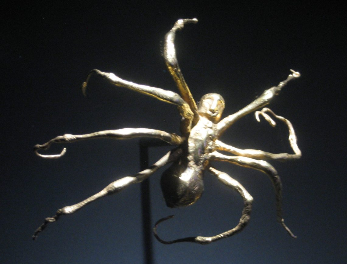 Louise Bourgeois, Gold Spider Brooch, 1996, 4/6. Foto Esther Doornbusch, juni 2018, CC BY 4.0