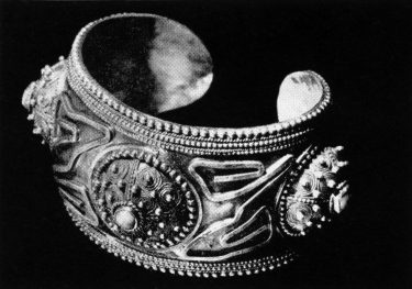 Manaba Magomedova, armband, 1968. Foto met dank aan Die Neue Sammlung, Adolf Vrhel©