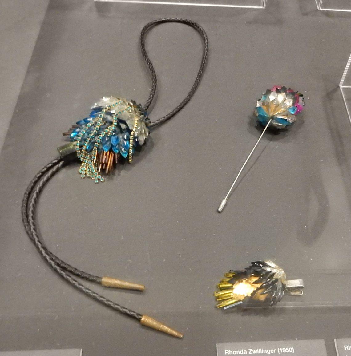 Rhonda Zwillinger, 1989. Show yourself, Design Museum Den Bosch, 2018, Collectie Yvònne Joris. Collectie DMDB. Foto Esther Doornbusch, 28 augustus 2018, CC BY 4.0