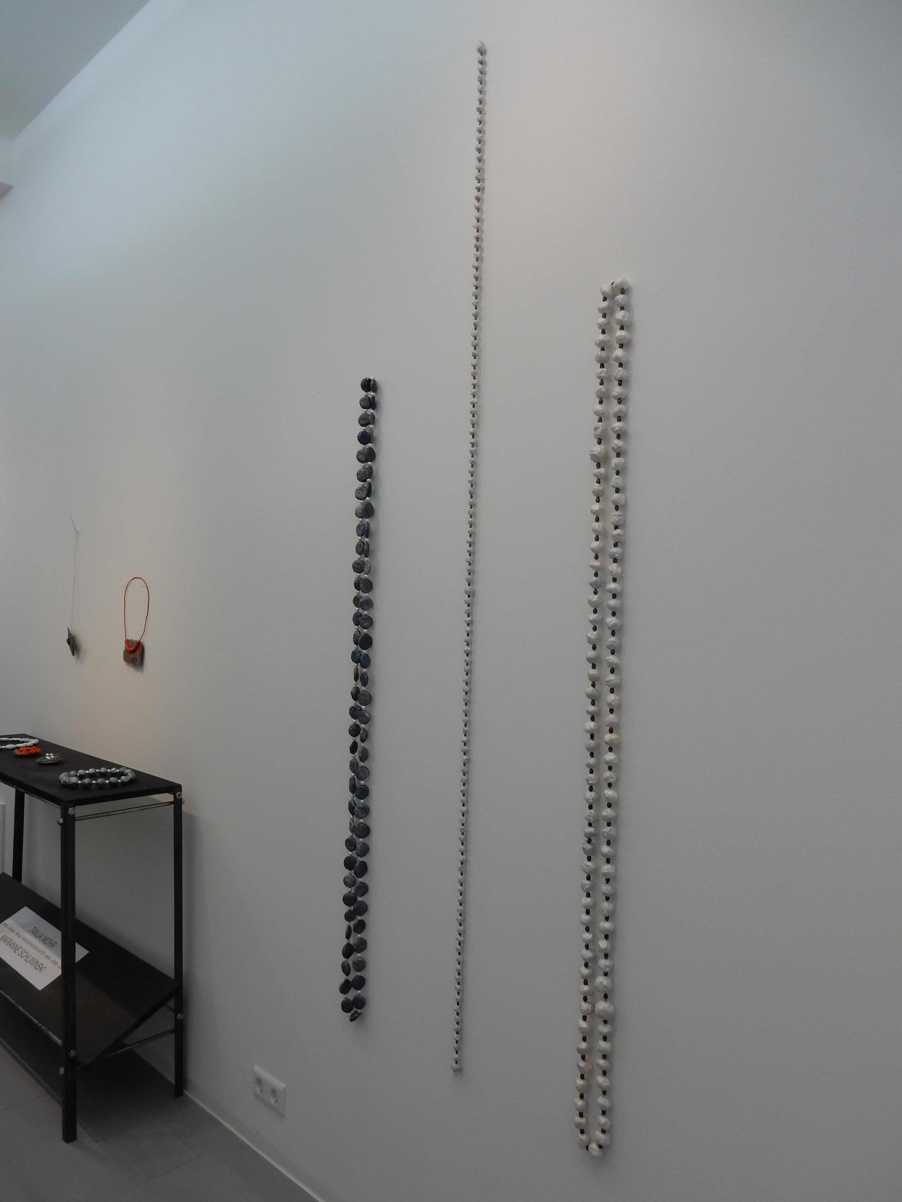Marianne Schliwinski in Galerie Spektrum, Karlsruhe. Foto Coert Peter Krabbe, september 2018, CC BY 4.0