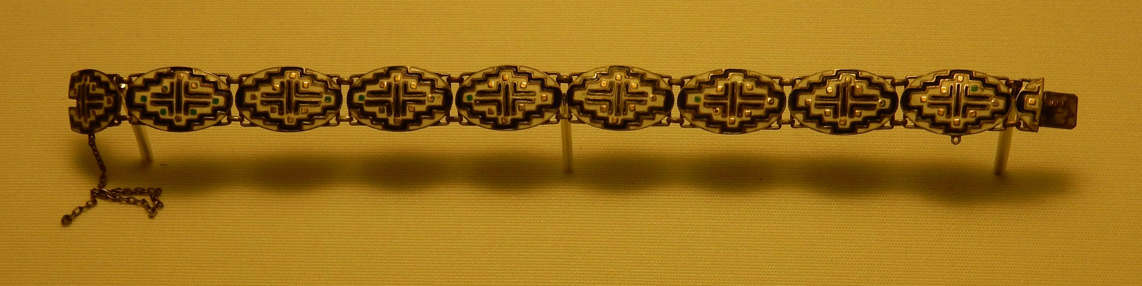 Theodor Fahrner, armband, 1910-1913. Schmuckmuseum Pforzheim. Foto met dank aan Coert Peter Krabbe, september 2018©
