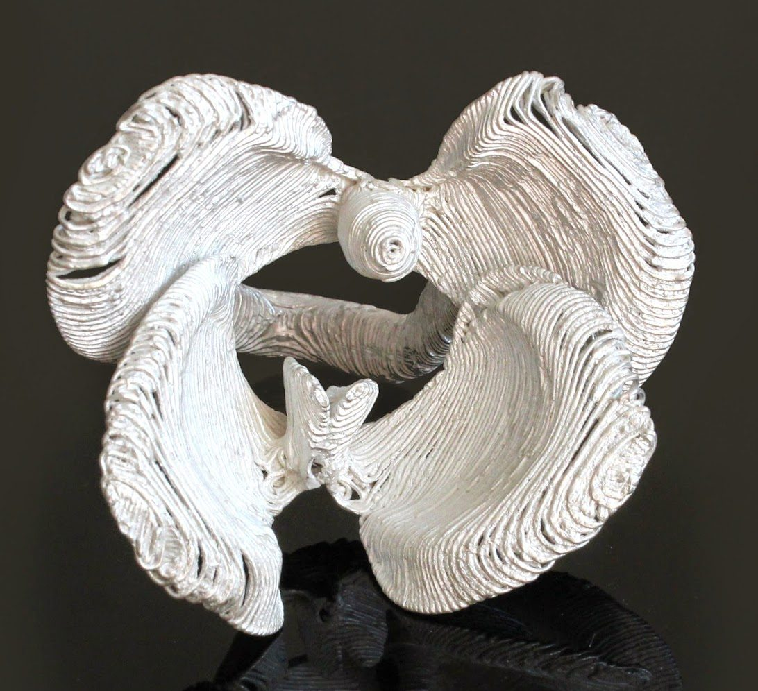 Héctor Lasso, Orchid dancers, ring, 2012. Foto met dank aan Héctor Lasso, Elvira Golombosi©