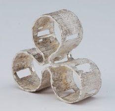 Héctor Lasso, Three Sizes, ring, circa 2011. Foto met dank aan Héctor Lasso©