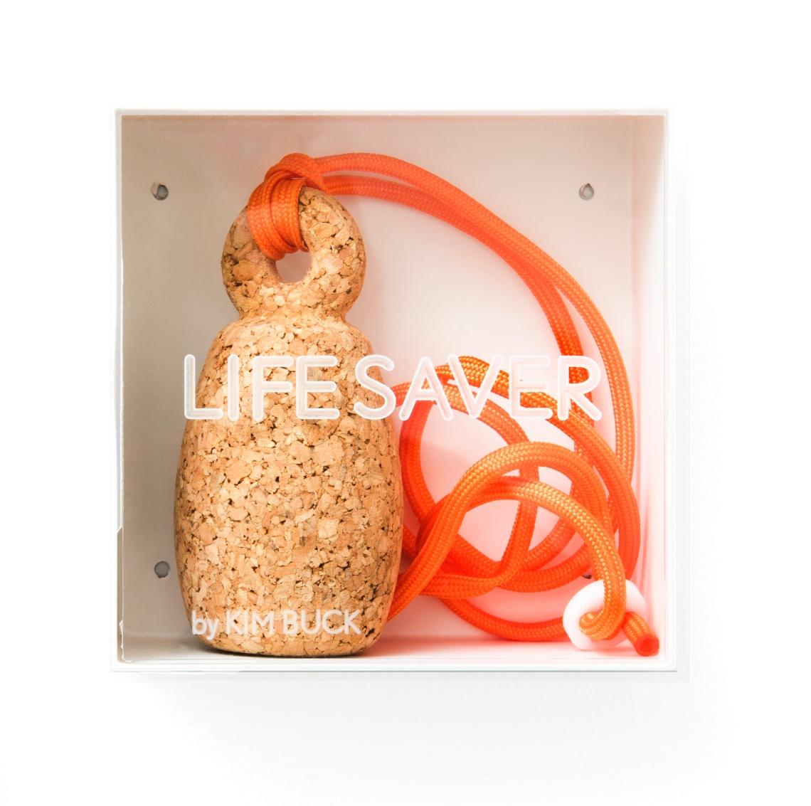 Kim Buck, Lifesaver, halssieraad, 2014. Collectie Jorunn Veiteberg. Foto met dank aan Nordenfjeldske Kunstindustrimuseum, Guri Dahl©