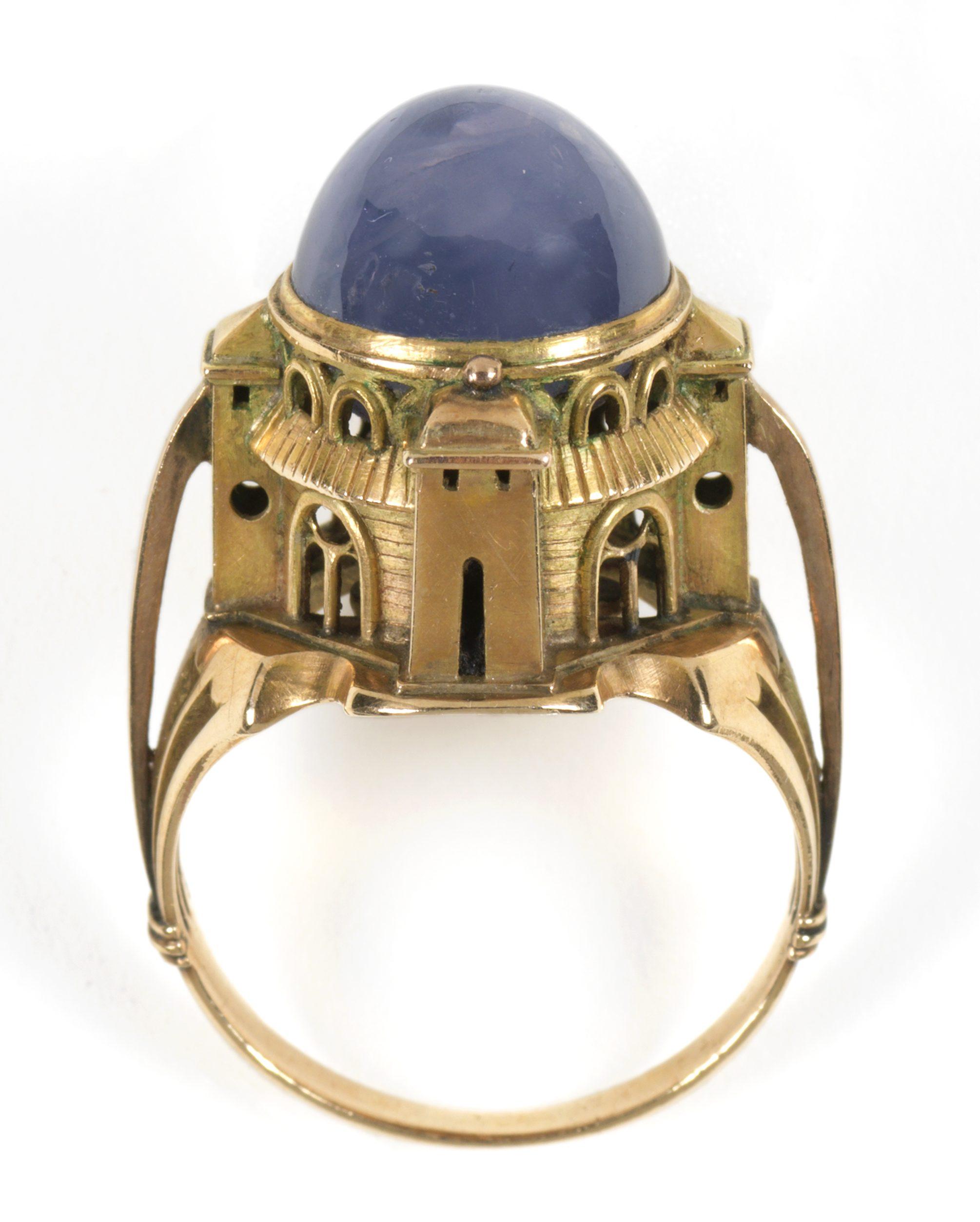 Charles de Sousy Ricketts door Carlo & Arthur Giuliano, ring, 1904. Foto met dank aan The Fitzwilliam Museum©