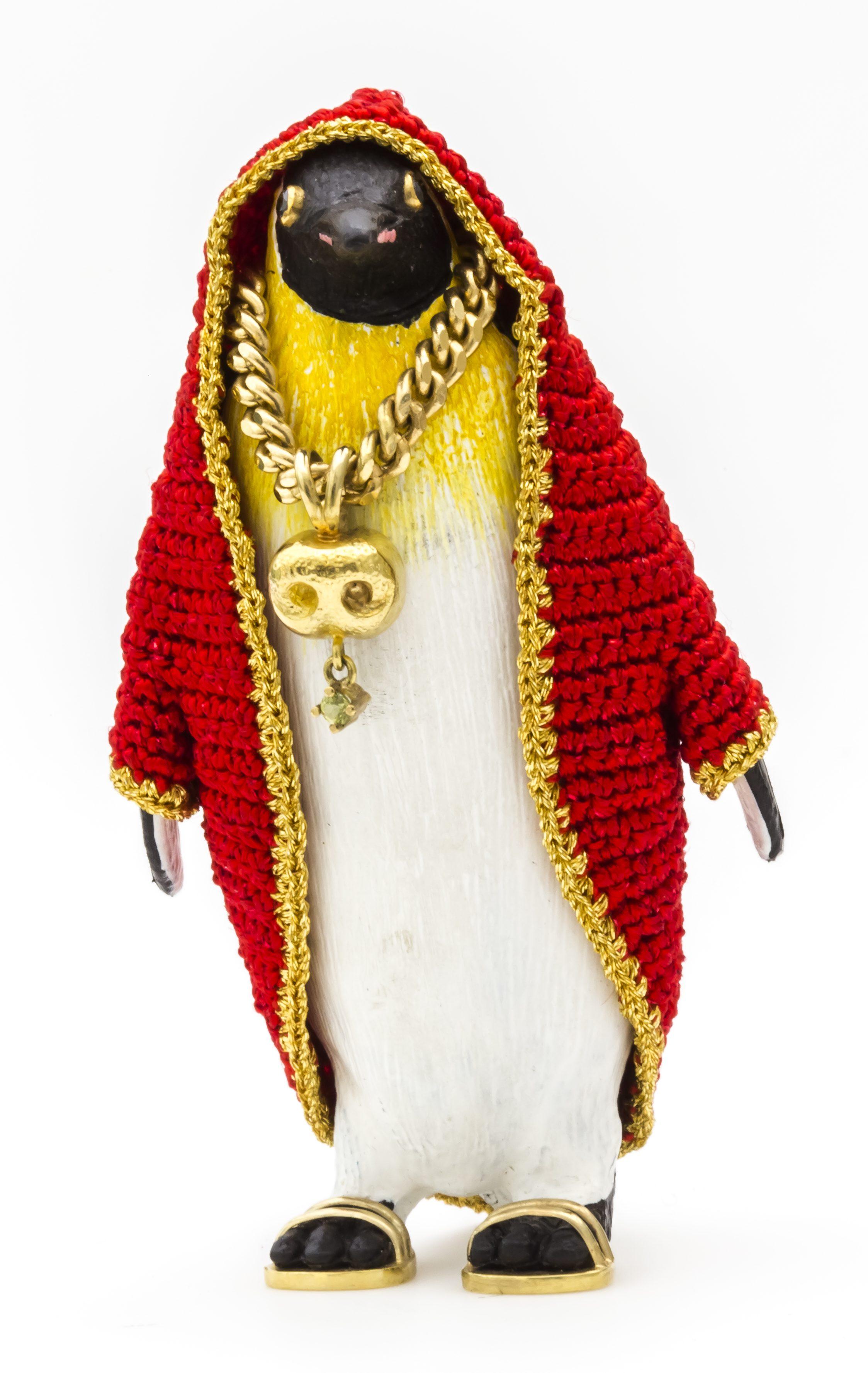 Felieke van der Leest, Emperor Penguin Eddy with Polar Bear Nose (the necklace), ring, 2003. Collectie Ida Boelen-van Gelder. Fotografie Aldo Smit©