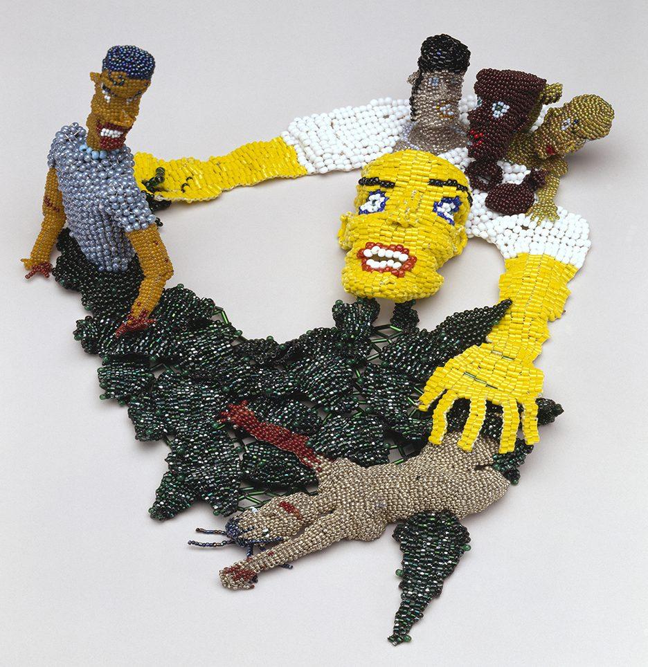 Joyce J. Scott, The Sneak, halssieraad, 1989. Foto met dank aan Katonah Art Museum©
