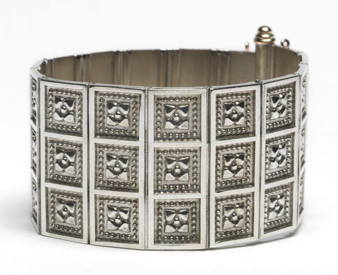 Carlo Giuliano, armband, circa 1874-1895. Foto met dank aan The Fitzwilliam Museum©
