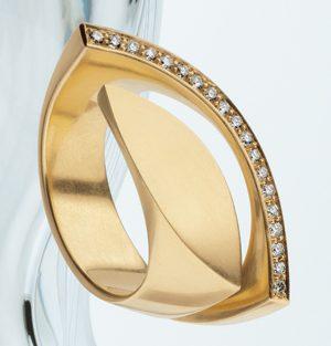 Angela Hübel, ring. Foto met dank aan Galerie Cécile van Eeden©
