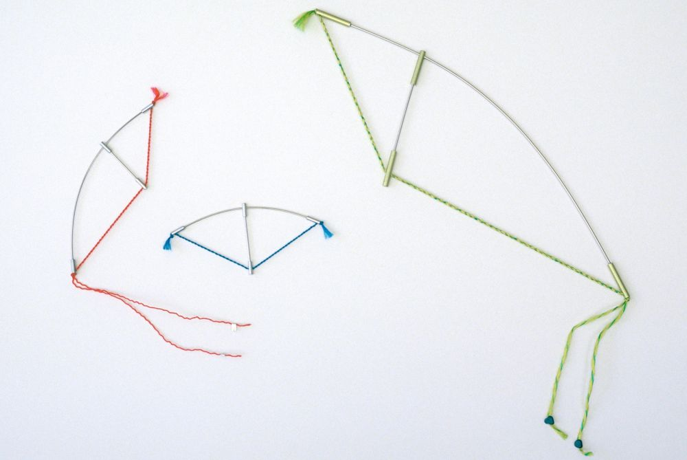 Sita Falkena, Bow and arrow, broches, 1982. Foto met dank aan Sita Falkena©