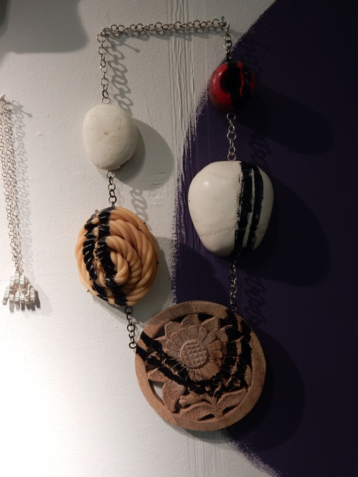 Lisa Walker in Galerie Ra. Foto Esther Doornbusch, december 2018©