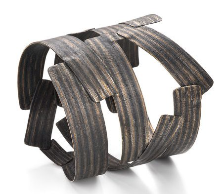 Francesca Urcioli, Recycled, armband. Foto met dank aan Ohmyblue, Federico Cavicchioli©