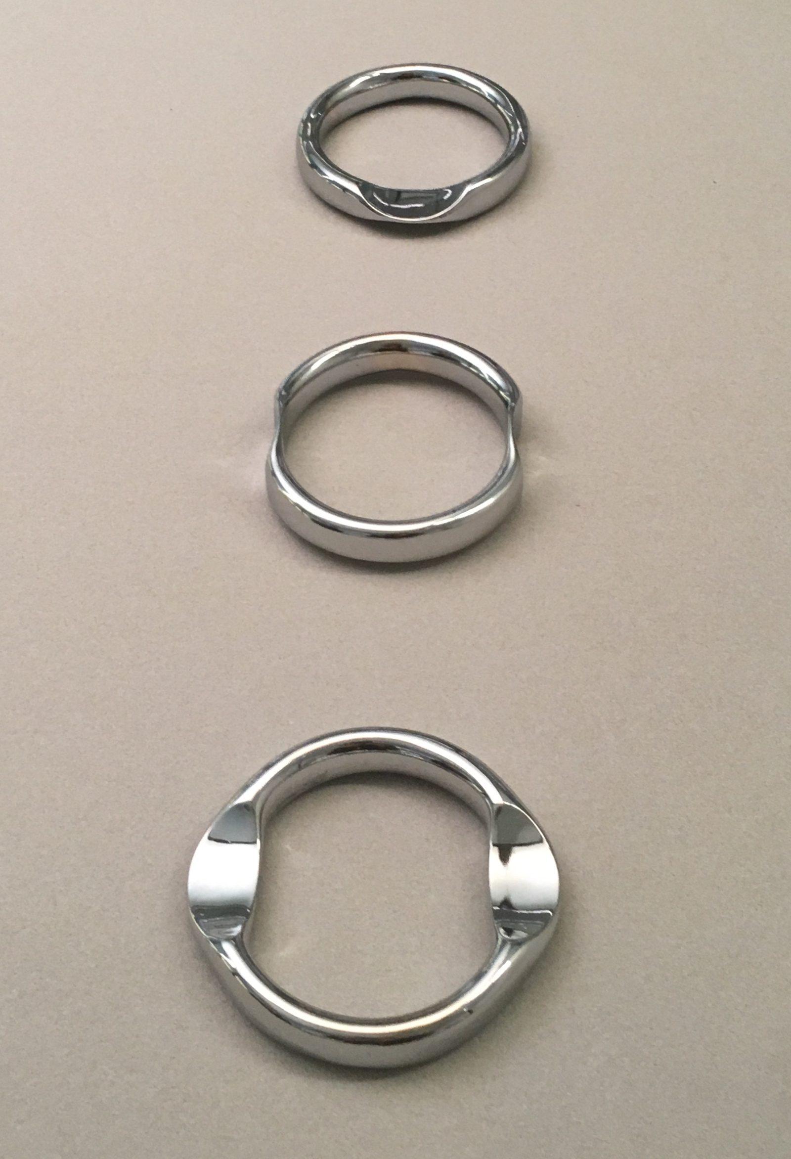 Françoise van den Bosch, armbanden, 1973, collectie Design Museum Den Bosch (bruikleen RCE). Foto met dank aan Liesbeth den Besten©