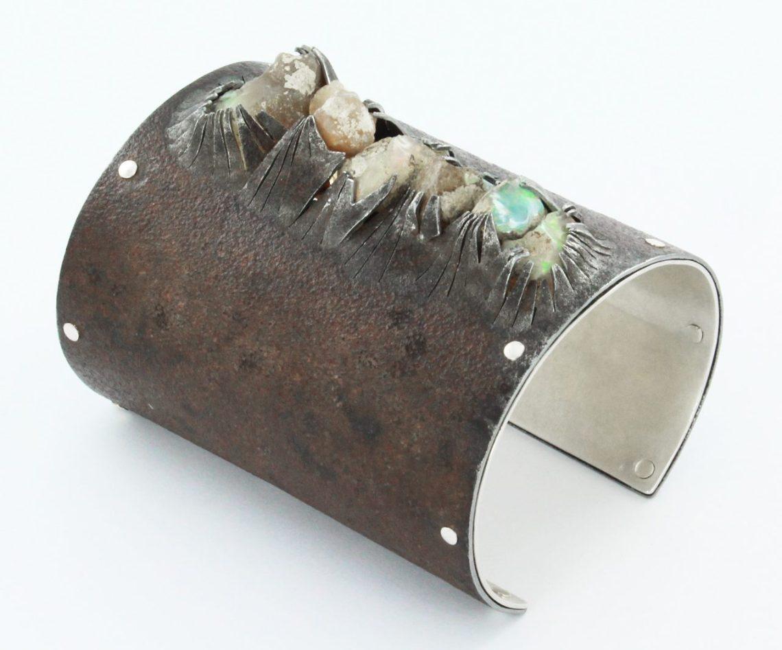 Marianne Anselin, armband. Foto met dank aan Galerie Elsa Vanier©