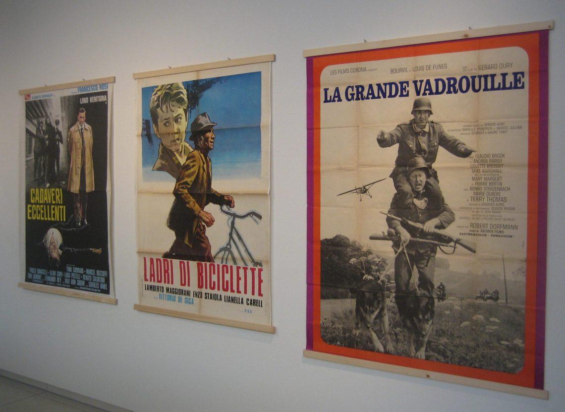 Filmposters, Anneke Schat in Museum Van der Togt, februari 2019. Foto Esther Doornbusch, CC BY 4.0