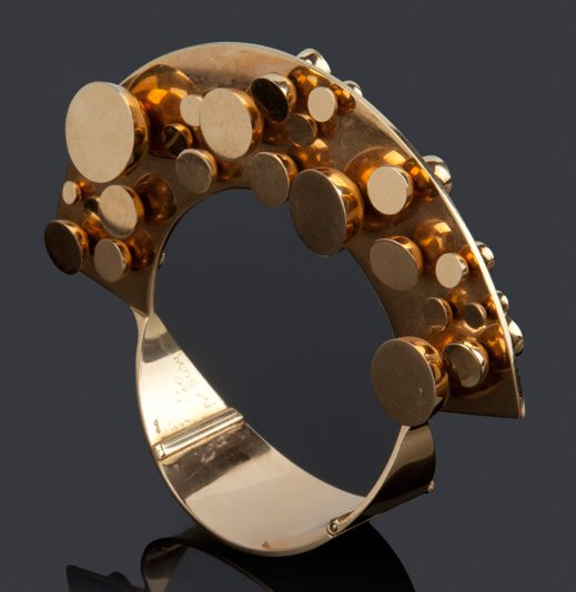 Pol Bury, armband, 1974. Foto met dank aan Didier Ltd©
