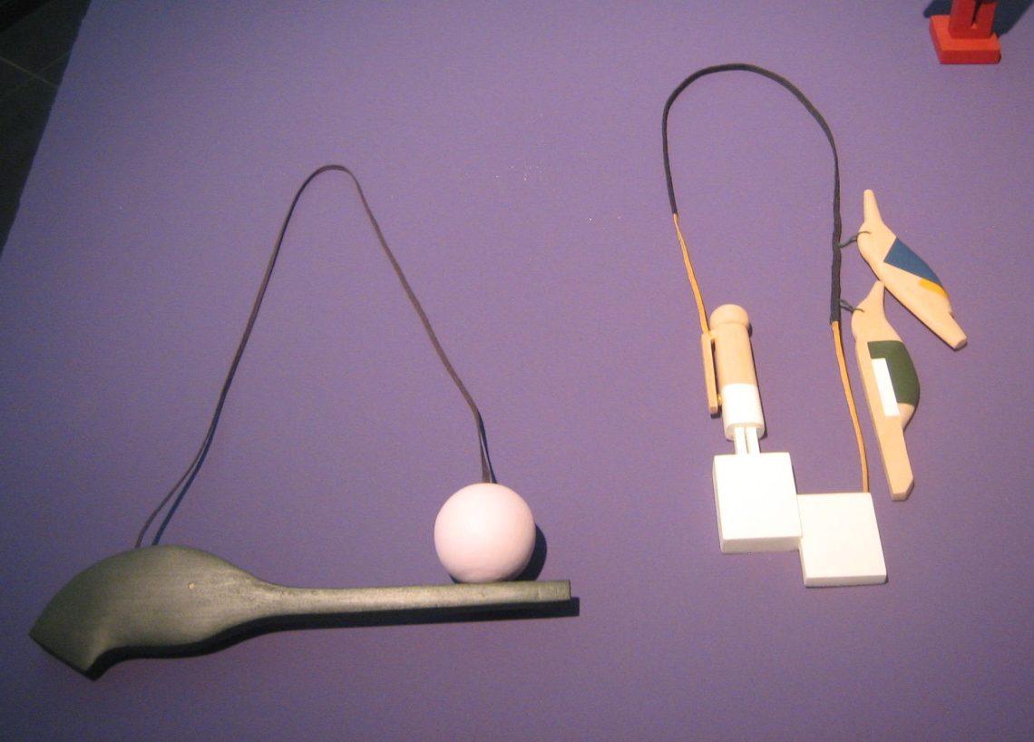 Karin Herwegh, halssieraden. Galerie Ra. Foto Esther Doornbusch, maart 2019, CC BY 4.0