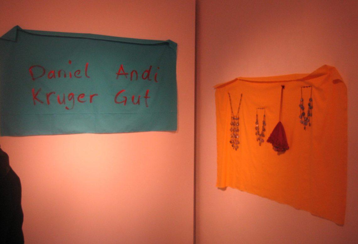 Andi Gut en Daniel Kruger in Galerie Biró, München. Foto Esther Doornbusch, maart 2019, CC BY 4.0