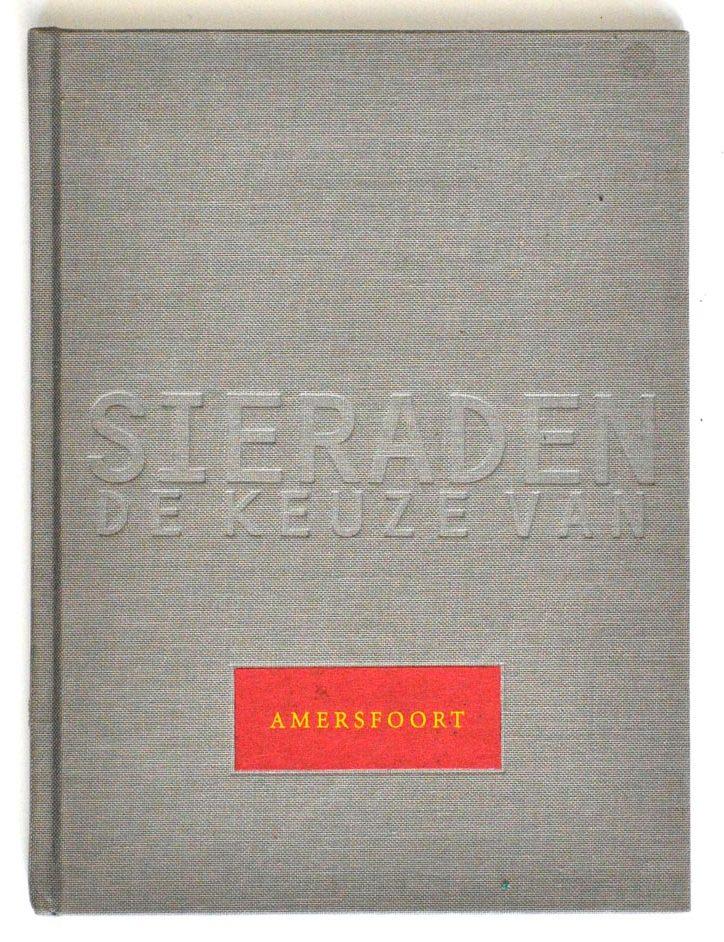 Sieraden, de keuze van Amersfoort. Foto met dank aan Galerie Marzee©