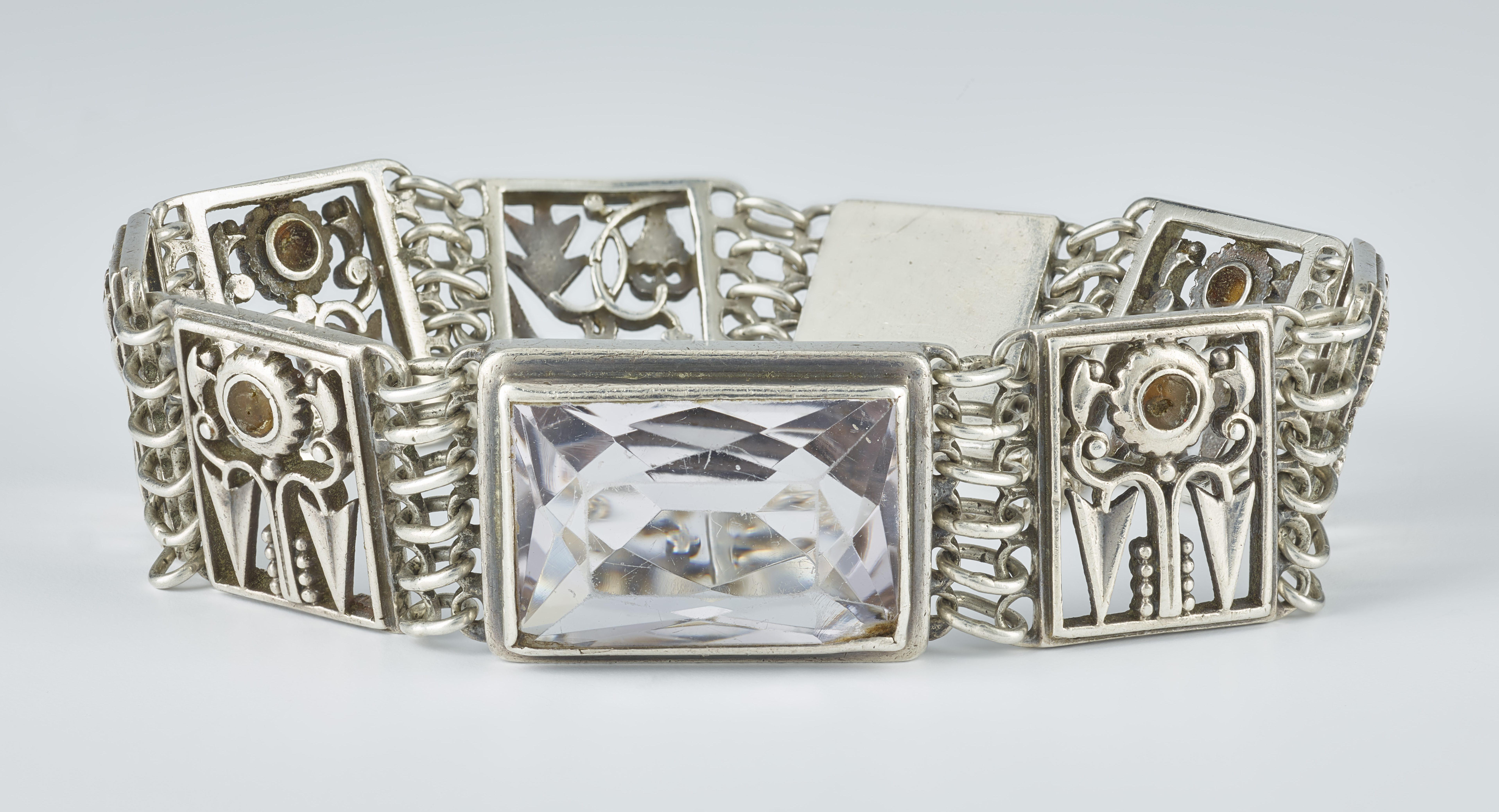 Ludwig Bub, armband, circa 1930. Collectie Ratz-Coradazzi. Foto met dank aan Hessisches Landesmuseum, Wolfgang Fuhrmannek©