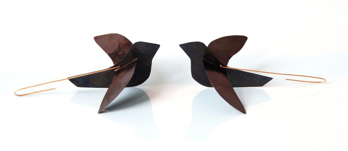 Julia Walter, Birds, oorsieraden, 2014. Foto met dank aan Galerie Marzee©