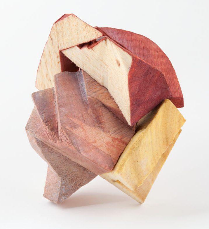 Julia Walter, Love Colour Rage Satisfaction, broche, 2011. Foto met dank aan Galerie Marzee©