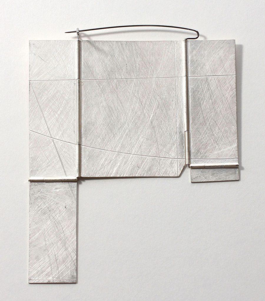 Noam Elyashiv, Box, broche, 2017. Foto met dank aan Galerie Marzee©