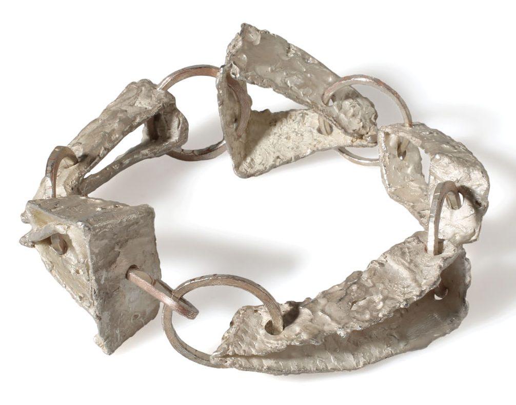 Juliane Brandes, armband, 2013. Foto met dank aan Galerie Marzee©