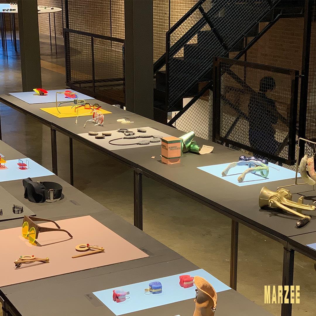 ARTEZ Hogeschool voor de Kunsten Arnhem, sieraden en brillen, Galerie Marzee, 2019. Foto met dank aan Galerie Marzee©