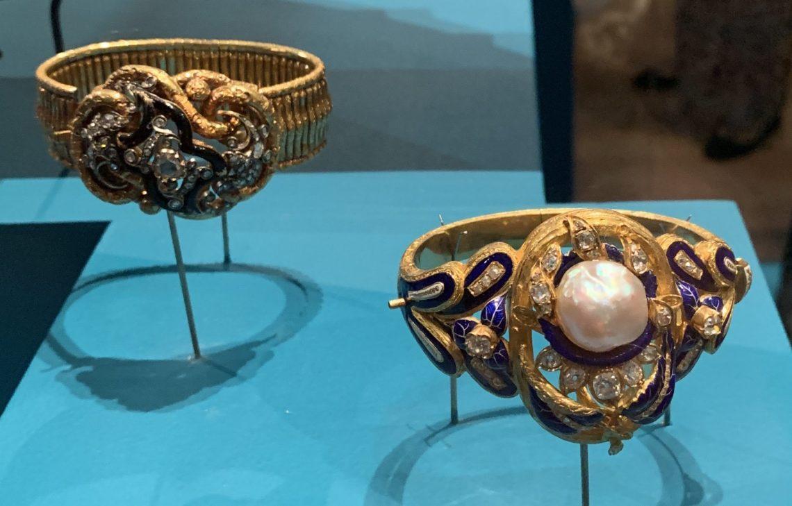 Juwelen! Hermitage Amsterdam, 2019. Armbanden, circa 1850. Foto met dank aan SAF, Astrid Berens©